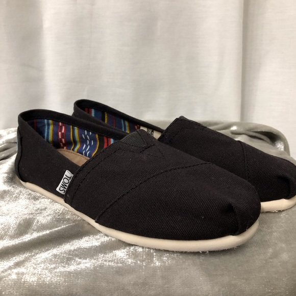 Toms Shoes | Womens Size 6 Classic